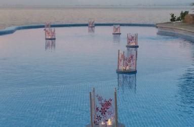 Pool Lantern Villa Mandarina